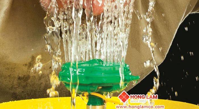 Dụng cụ rửa khẩn cấp: Tiêu chuẩn ANSI Z358.1 – 2014 An toàn lao động