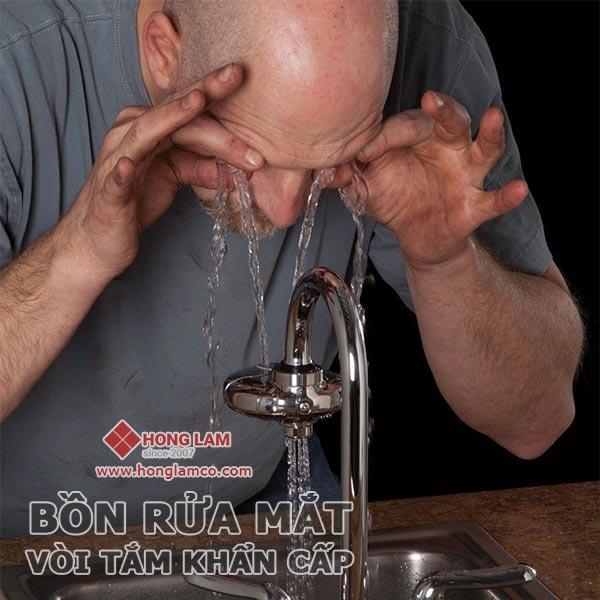 Thiết bị rửa mắt khẩn cấp, các mẫu vòi rửa mắt phổ biến hiện nay