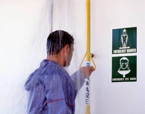 Quy tắc khi sử dụng bồn rửa mắt và tắm khẩn cấp - Hồng Lam Co
